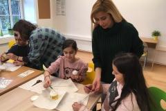 Farzaneh mit Kindern