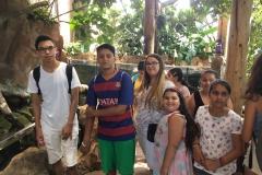 HdM Gruppe bei Affen