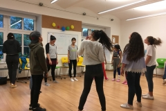 Gruppe im Kreis Tanz