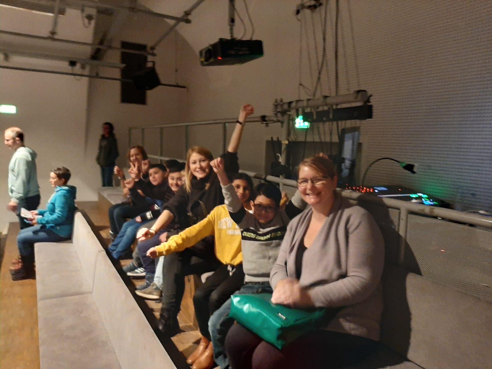 Dschungel-Wien-Gruppe-Publikum-2