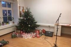 Weihnachtsbaum und Geschenke